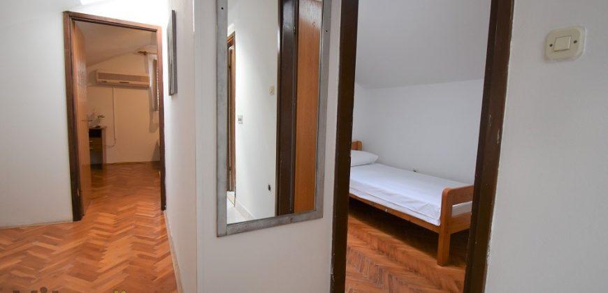 POLUOTOK, 45 m2, IDEALNO ZA STUDENTE