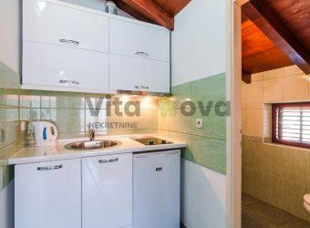 PLOVANIJA, GARSONIJERA, 30 m2